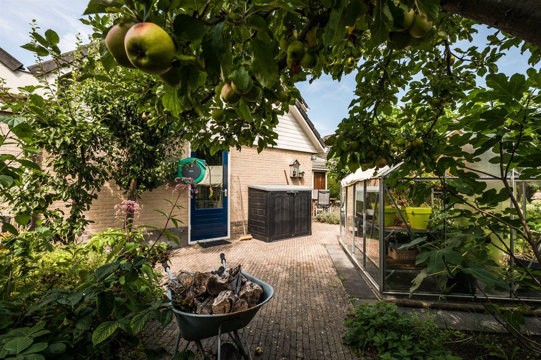 Bekijk foto 2 van Samuel Esmeijerstraat 24