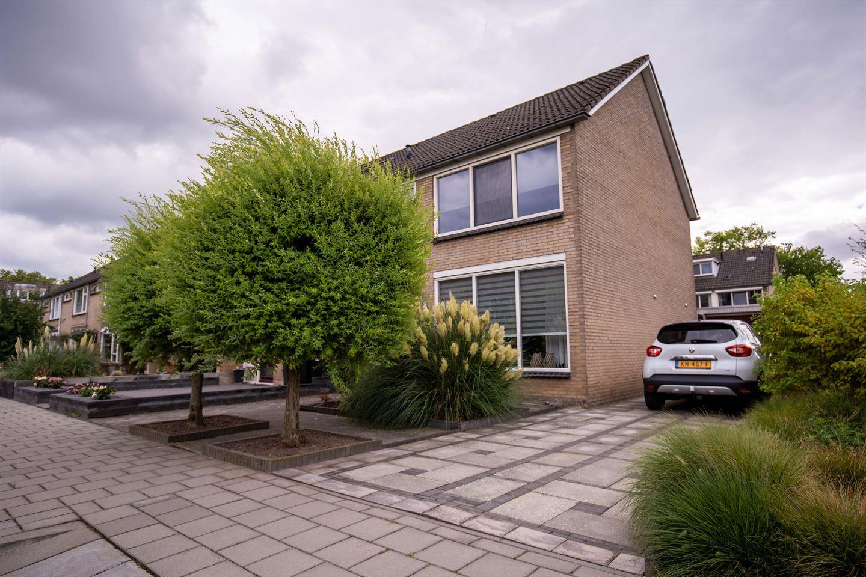 Bekijk foto 1 van Maarten Trompstraat 11