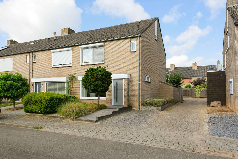 Bekijk foto 1 van Dross van Zuenestraat 19