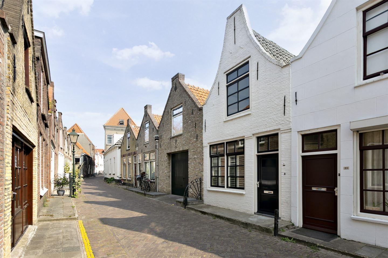 Bekijk foto 2 van Lange St. Janstraat 9