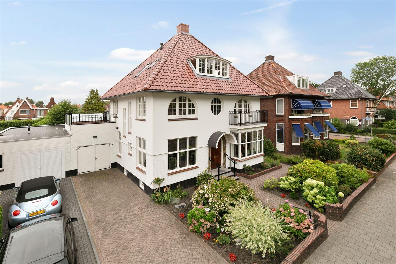 Bekijk foto 1 van van Beresteijnstraat 25