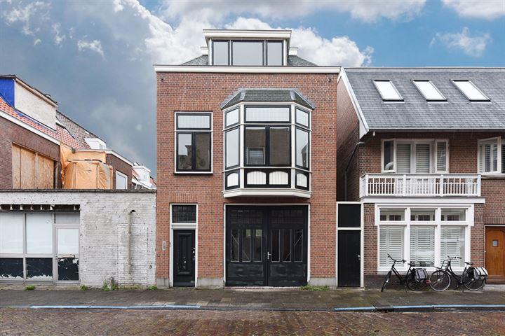 Redenburgstraat 22 *