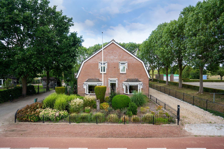 Bekijk foto 1 van Oosterhoutsestraat 32