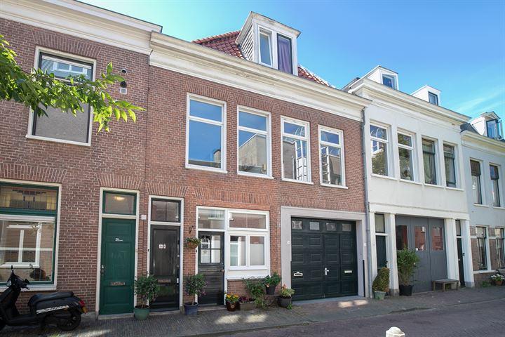 Lange Margarethastraat 36 rood