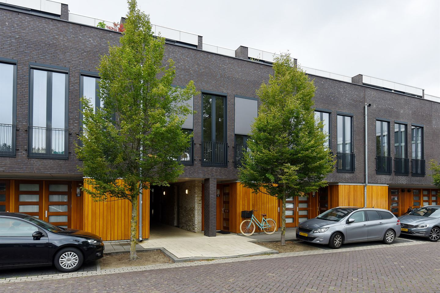 View photo 1 of Professor van Weliestraat 16