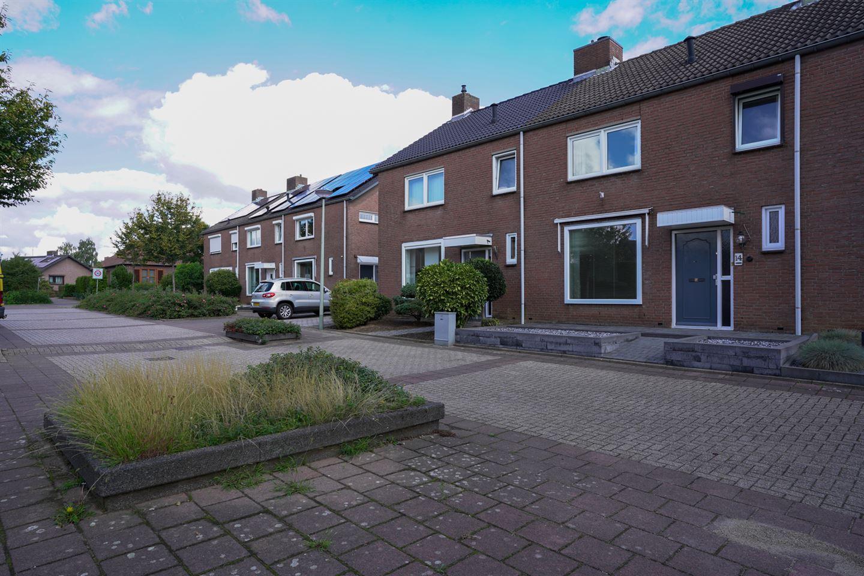 Bekijk foto 2 van Sluisbeek 14