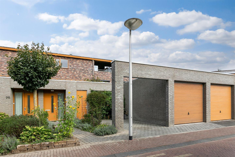 Bekijk foto 1 van Huygensstraat 77