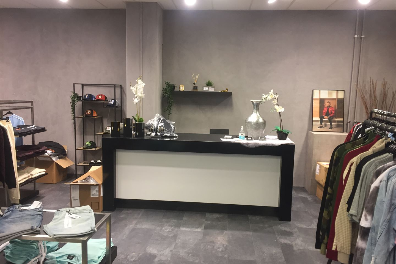 Bekijk foto 5 van Winkelcentrum 17 D