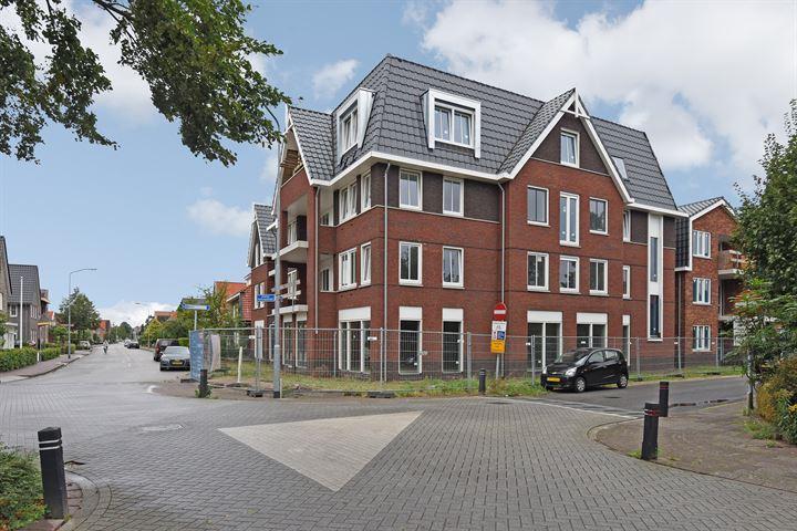 Dokter Holtropstraat 74, Ermelo