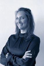 Vivian Weenink  (Office manager)