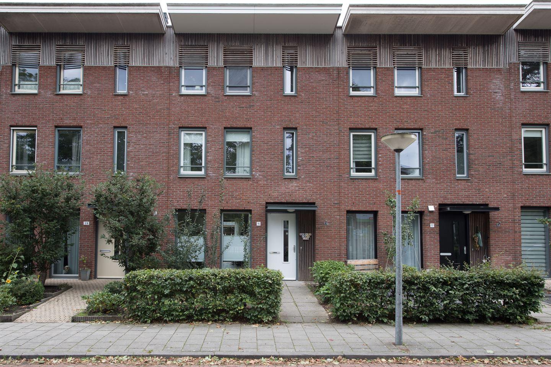 Bekijk foto 1 van Admiraal de Ruyterstraat 15