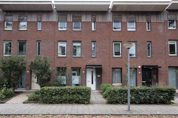 Admiraal de Ruyterstraat 15