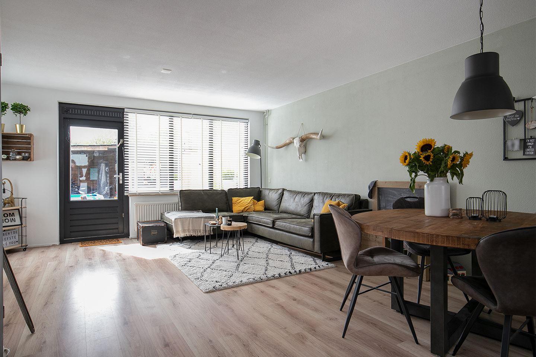Bekijk foto 2 van Hoensbroekstraat 1