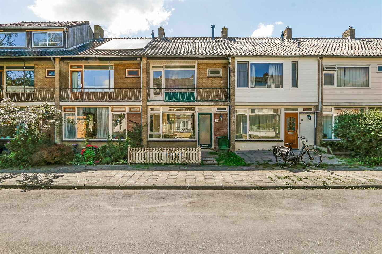Bekijk foto 1 van Nic. Beetsstraat 25
