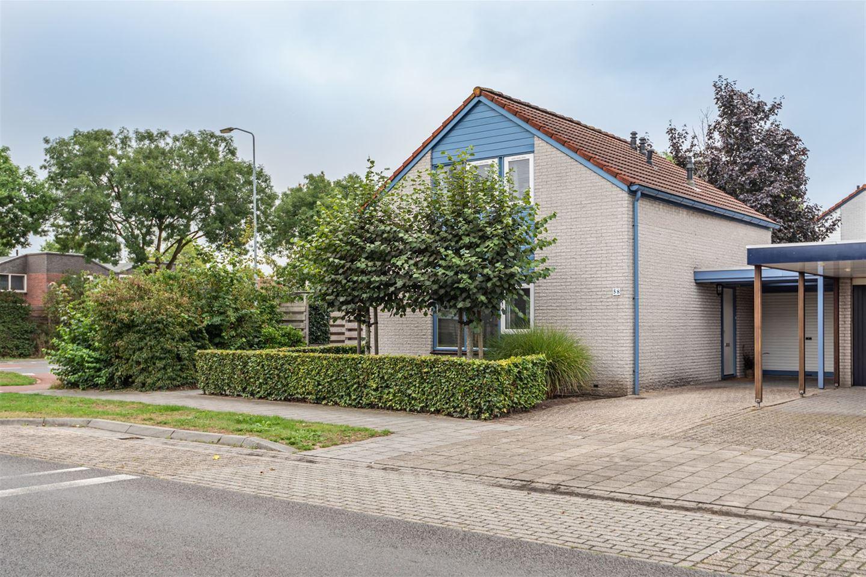 Bekijk foto 1 van Maasstraat 58