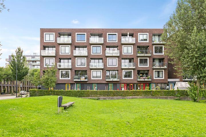 Erich Salomonstraat 569