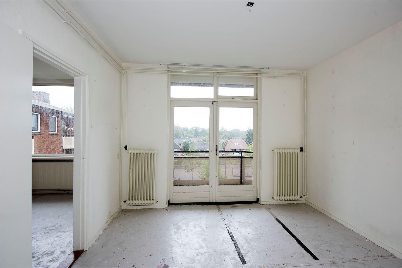 Bekijk foto 4 van Van Musschenbroekstraat 74 4