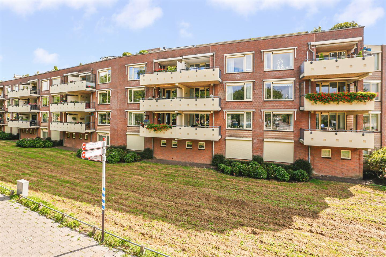 Bekijk foto 1 van Joostenplein 4