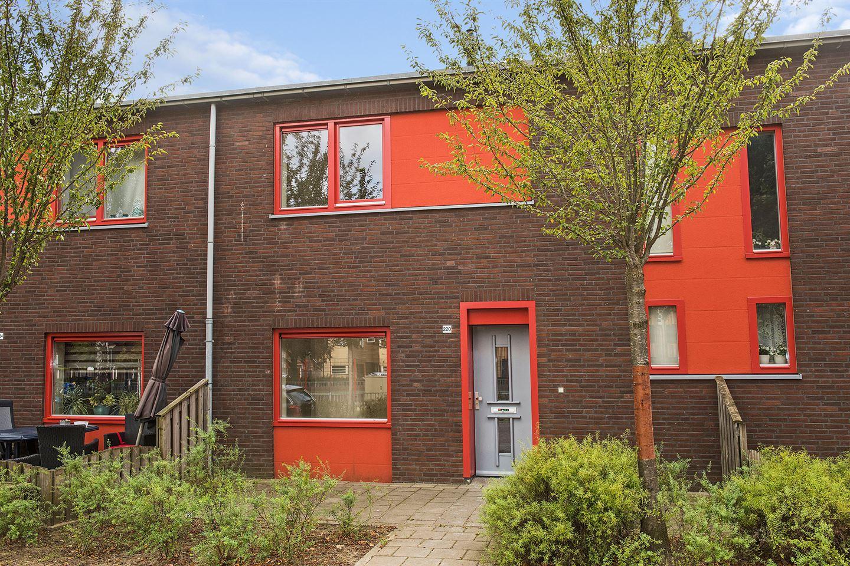 Bekijk foto 1 van Van Leeuwenhoekstraat 220