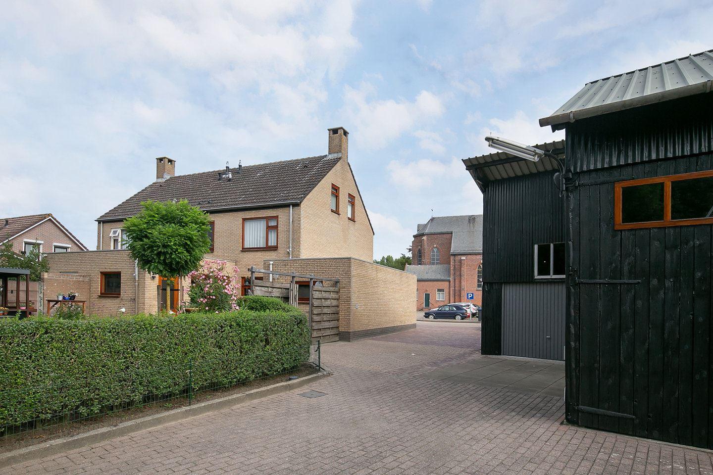 Bekijk foto 3 van Esdoornstraat 3
