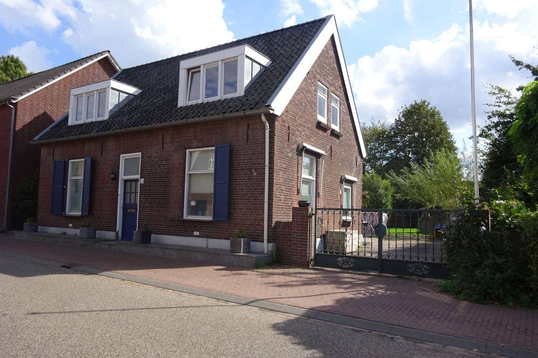 Bekijk foto 1 van Dorpsstraat 14
