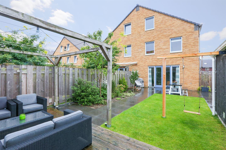 Bekijk foto 2 van Van Disselstraat 48
