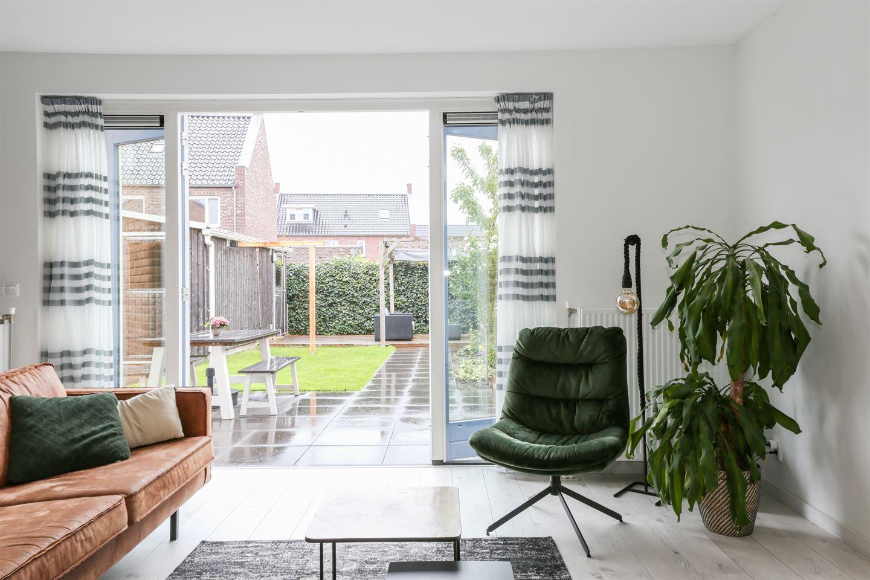 Bekijk foto 5 van Van Disselstraat 48