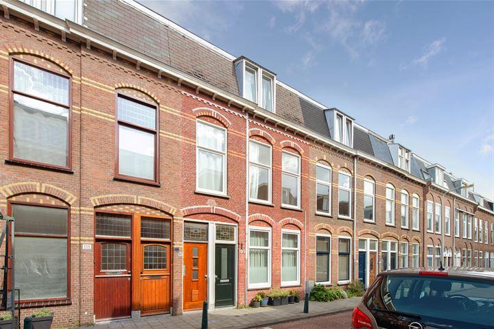 Van Egmondstraat 107