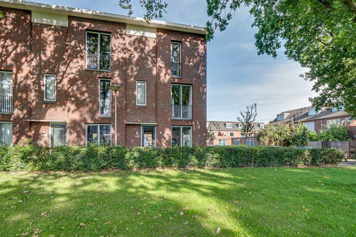 P.G. van Nieuwkerkpad 48