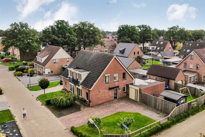 Bekijk foto 1 van Van Hogendorpstraat 41