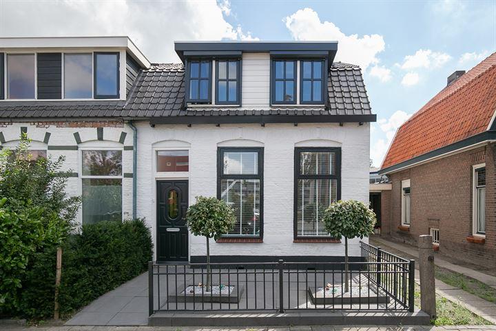 M.A.de Ruijterlaan 11