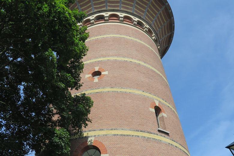 Bekijk foto 1 van Lauwerhof 23