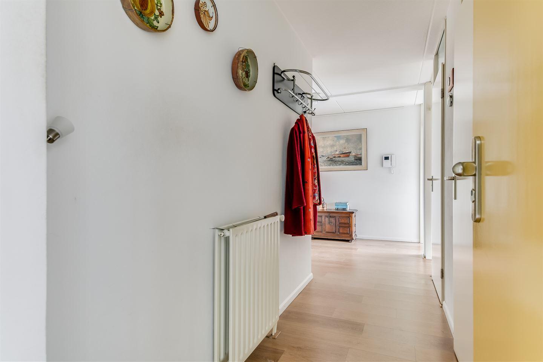 Bekijk foto 2 van Henriëtte Roland Holststraat 44