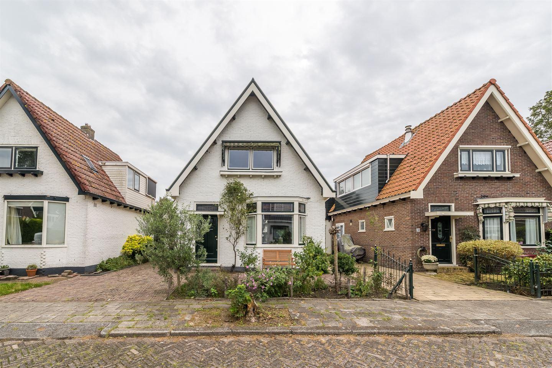 Bekijk foto 1 van Van Zeggelaarstraat 40