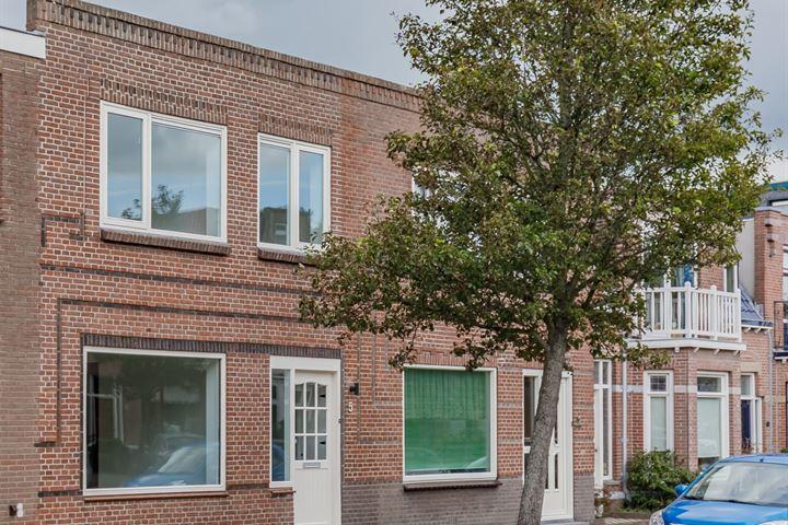 Huygensstraat 5