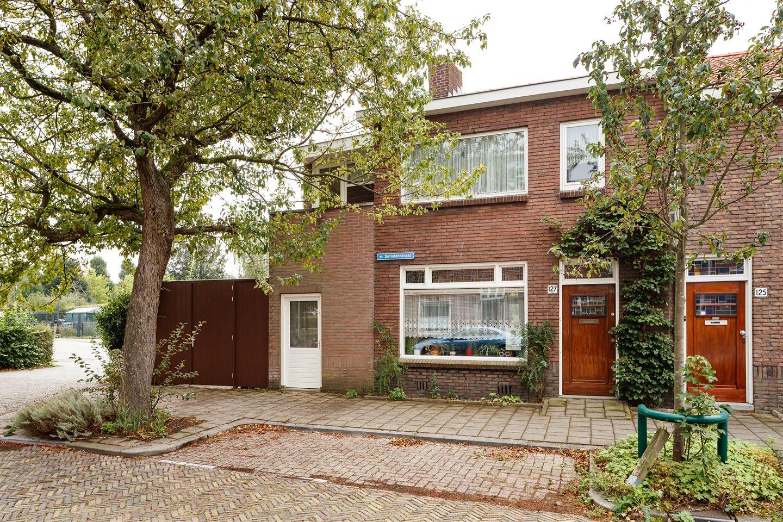 Bekijk foto 1 van Van Swindenstraat 127