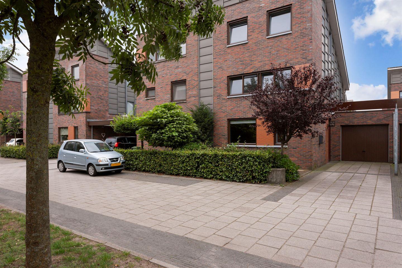 View photo 2 of van Goghstraat 11