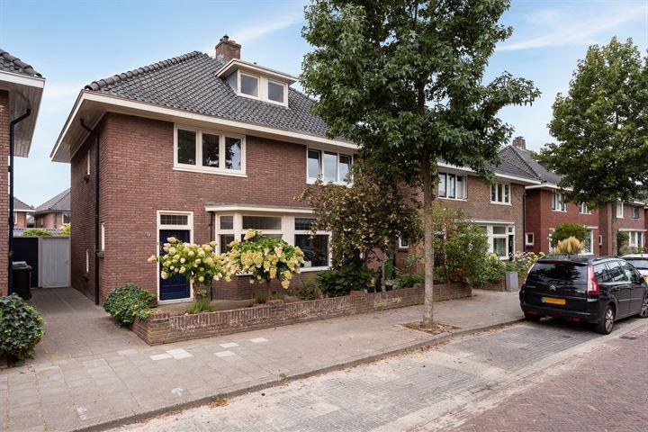 Bernardstraat 58