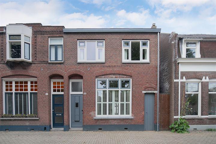 Leonard van Vechelstraat 35