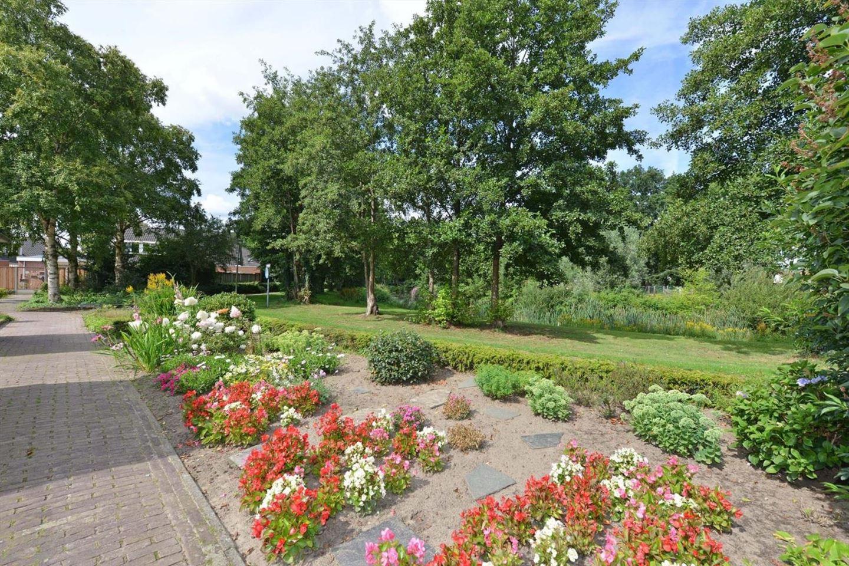 Bekijk foto 2 van Cornelis Trooststraat 82