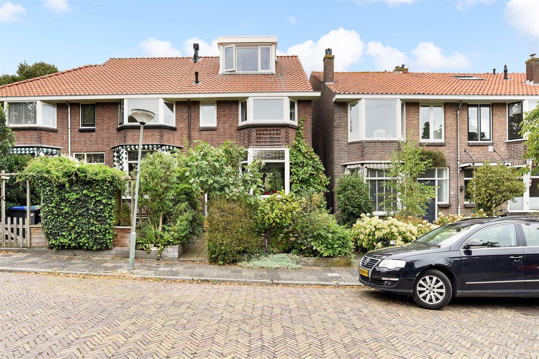 Bekijk foto 1 van Genemansstraat 31