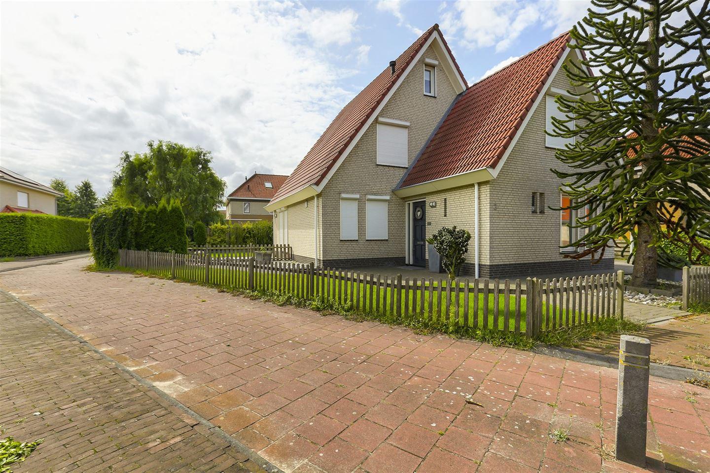 Bekijk foto 2 van Wilhelmina Nijhoffstraat 3
