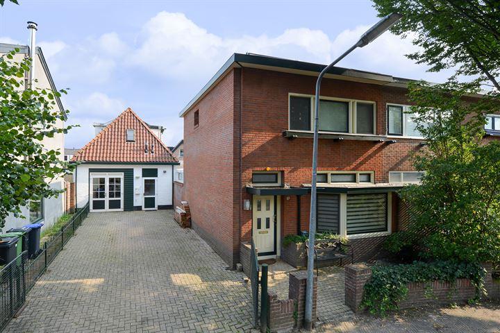 Van Leeuwenhoekstraat 10 +10 A