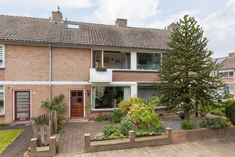 View photo 2 of Bontekoestraat 4