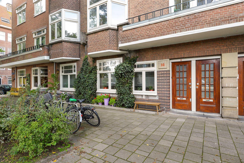 Bekijk foto 2 van Rijnsburgstraat 32 H