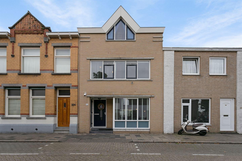 Bekijk foto 1 van Voorstraat 102