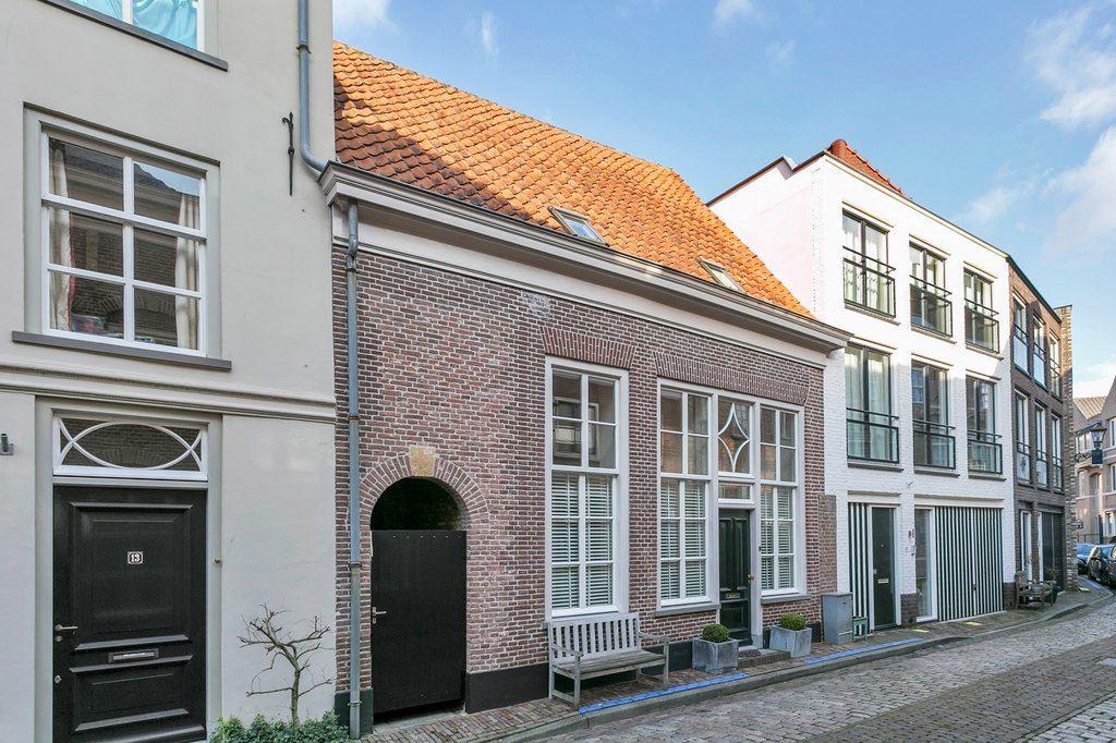 Bekijk foto 1 van Gasthuisstraat 11