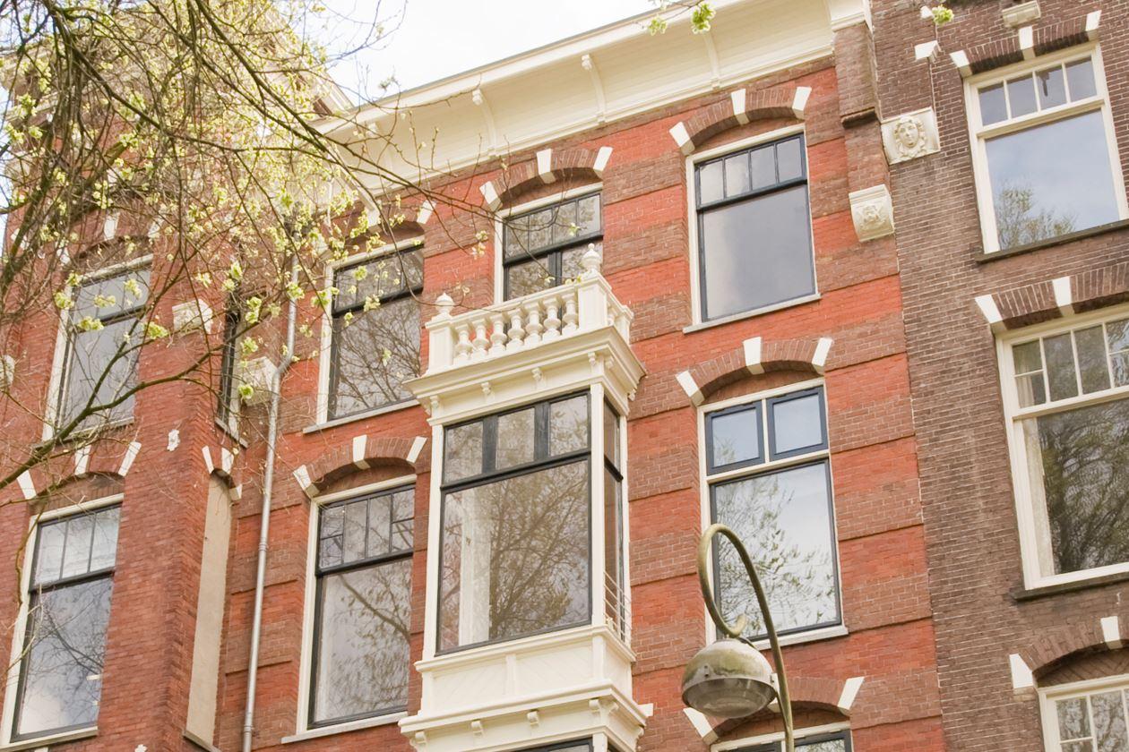 Bekijk foto 2 van Van Eeghenstraat 189 II
