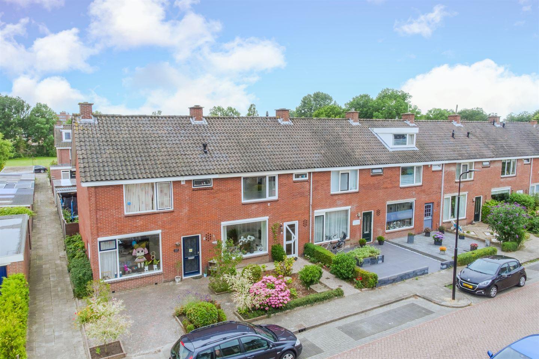 Bekijk foto 1 van Oetgensstraat 3