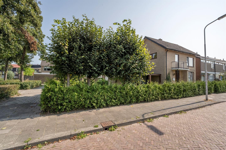 Bekijk foto 3 van Weverijstraat 2
